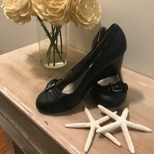Adorable vintage look AMerican Eagle 🦅 shoes